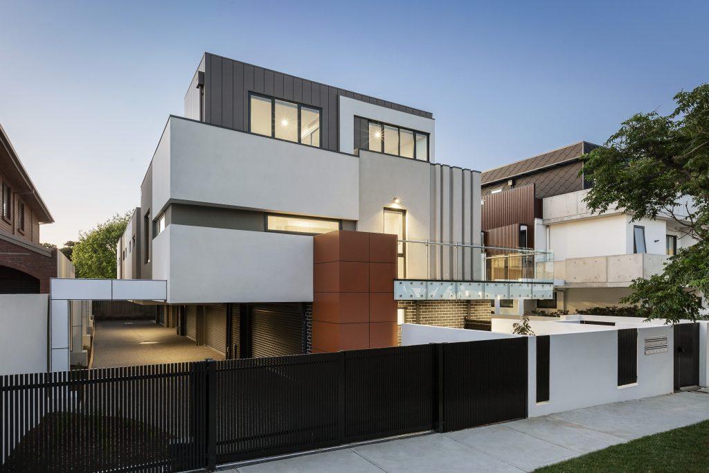 concrete home builder contractor