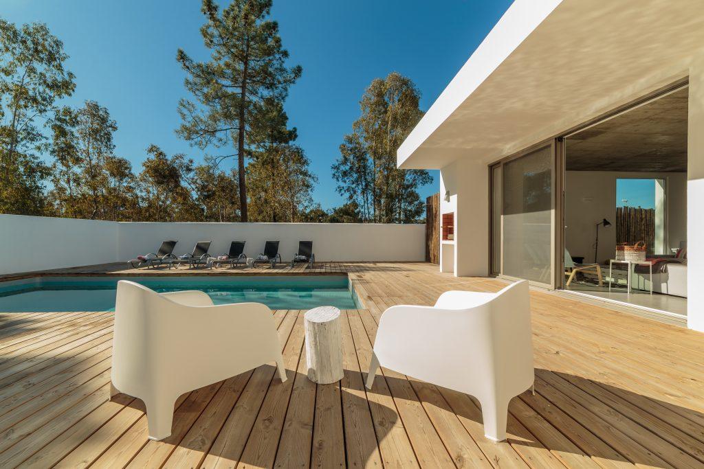 outdoor patio contractor & pool construction